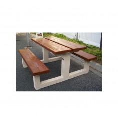 Table pique-nqiue en béton effet bois