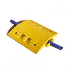 Ralentisseur avec passage de câbles
