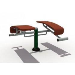 Équipez un banc abdo sur votre parcours santé avec Leader Equipements