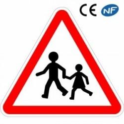 Panneau de circulation annonçant un endroit fréquenté par les enfants (A13a)
