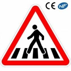 Panneau de circulation indiquant un passage pour piétons