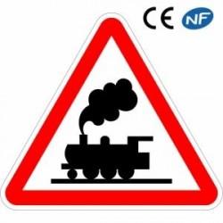 Panneau de signalisation indiquant un passage à niveau sans barrière (A8)