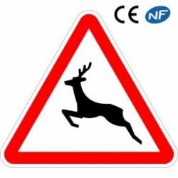 Panneau routier indiquant la traversée fréquente d'animaux sauvages (A15b)