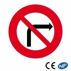 Panneau Code de la route indiquant une interdiction de tourner à droite