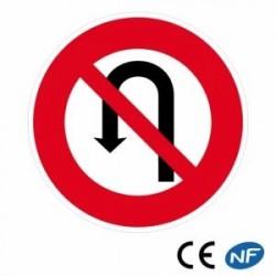 Panneau de route interdit de faire demi-tour