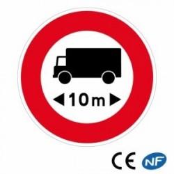 Panneau de signalisation routière annonçant une limitation de longueur