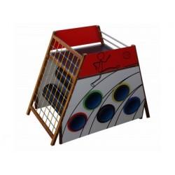 Un jeu en bois à grimper pour l'extérieur, aire de jeux et école