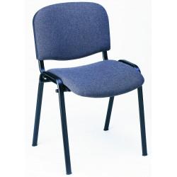 Aménagement intérieur : découvrez la chaise de collectivité Iso aux pieds noirs