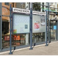 Affichage municipal d'extérieur